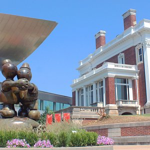 Hunter Museum of American Art 10 Bluff View Chattanooga, TN 37415