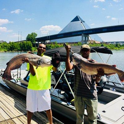 www.fishingguidememphis.com  Guided Fishing Trips