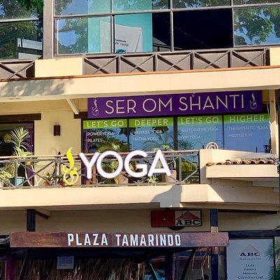 Ser Om Shanti Yoga Studio, a view from the street