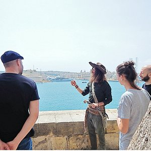 Licensed to Steal - Tour by the Valletta Grand harbour