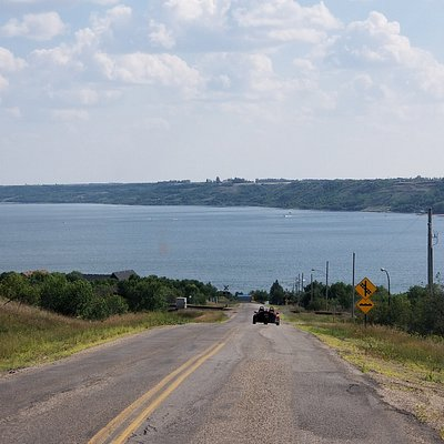 Paved roads to Saskatchewan Beach and Kannata Valley