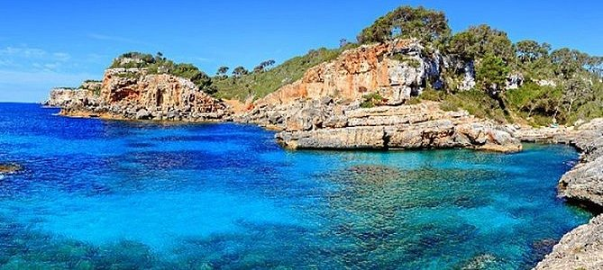 Discover Mallorca natural secrets by speed boat
