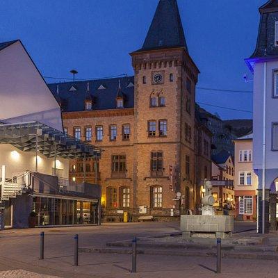 Historisches Rathaus am Marktplatz, im Obergeschoss befindet sich das Wein- und Heimatmuseum