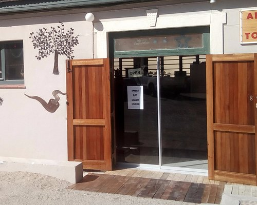 Our shop is situated in the yard of the DIAZ Coffee shop, next to the KRABBENHOFT & LAMPE Guest house.