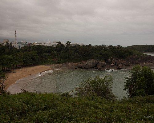 Praia vista de cima.