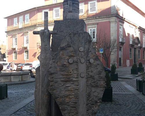 Escultura de D. Afonso Henriques