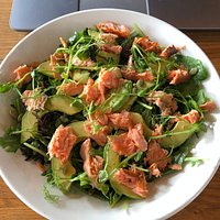 Cold smoked salmon salad