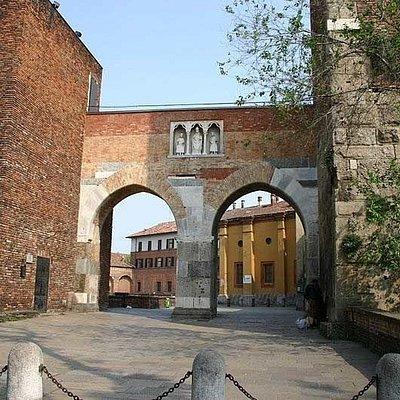 Pusterla di Sant'Ambrogio, июль.