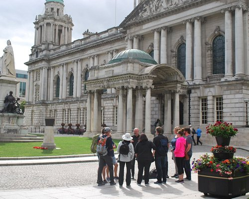 Tour group starting at Belfast City Hall