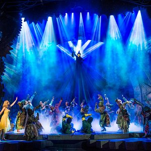 2013/14 London Company of WICKED at London's Apollo Victoria Theatre. Photo by Matt Crockett.