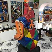 Escultura do passista feita por Di Farias.