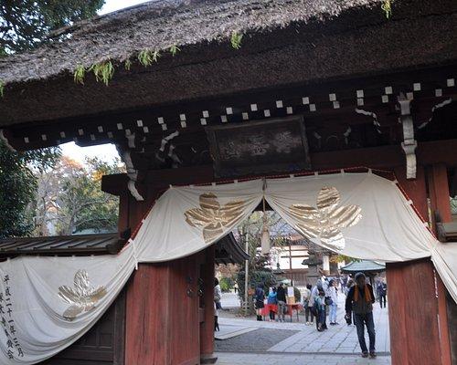 茅葺き屋根の山門は珍しくなりました