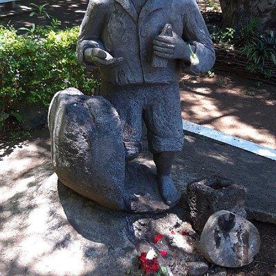 Statue de l'esclave Mario qui fut sauvé par La Vierge Noire