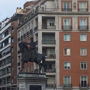 Monumento al Marques del Duero