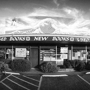 located at 2585 Willamette St., Eugene, Oregon