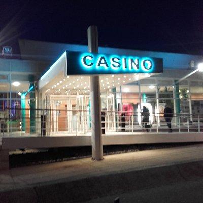 façade extérieur de nuit du casino