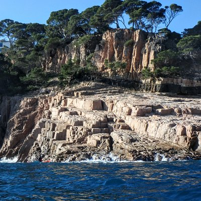 Very beautiful and interesting coastline. High quality kayaks and equipment.