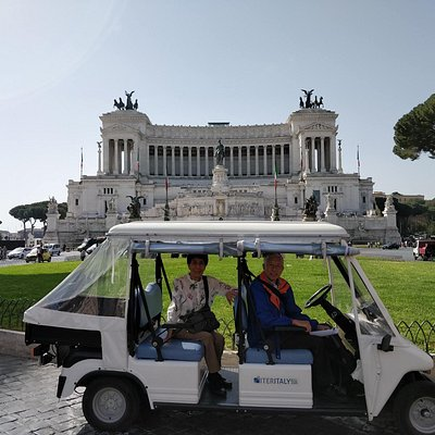 Golf cart tour in Piazza Venezia