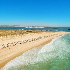 Ilha Deserta - Beach & Restaurant