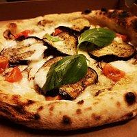 Pizza végétarienne avec aubergines grillées