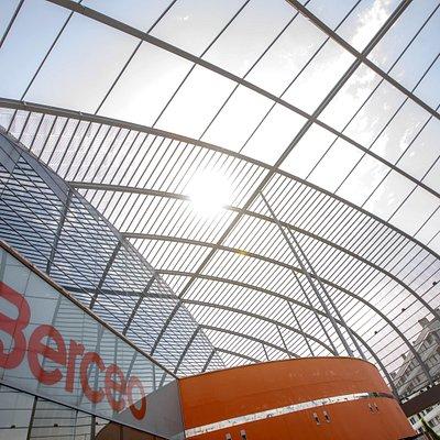 Cubierta del centro comercial Berceo en Logroño