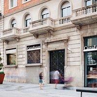 """CaixaForum Tarragona es un centro cultural gestionado por """"la Caixa"""" a través de su fundación como parte de la Obra Social de la entidad."""