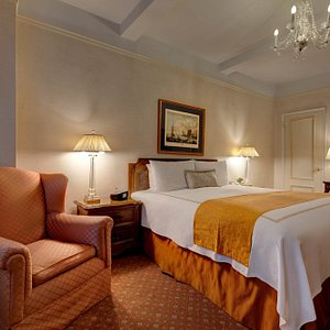 The bedrooms of the King Suites are so quiet because they are in the back of the hotel!