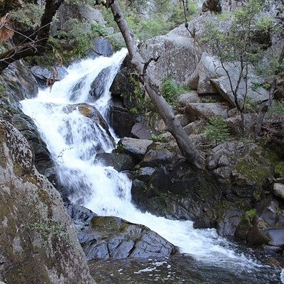 Lewis Creek Trail - Red rock falls