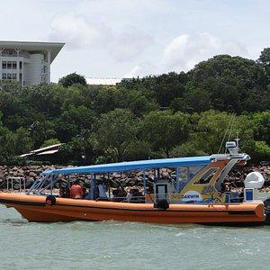 MV Flatback on Darwin Harbour