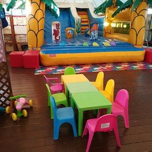 Sala indoor per feste per bambini