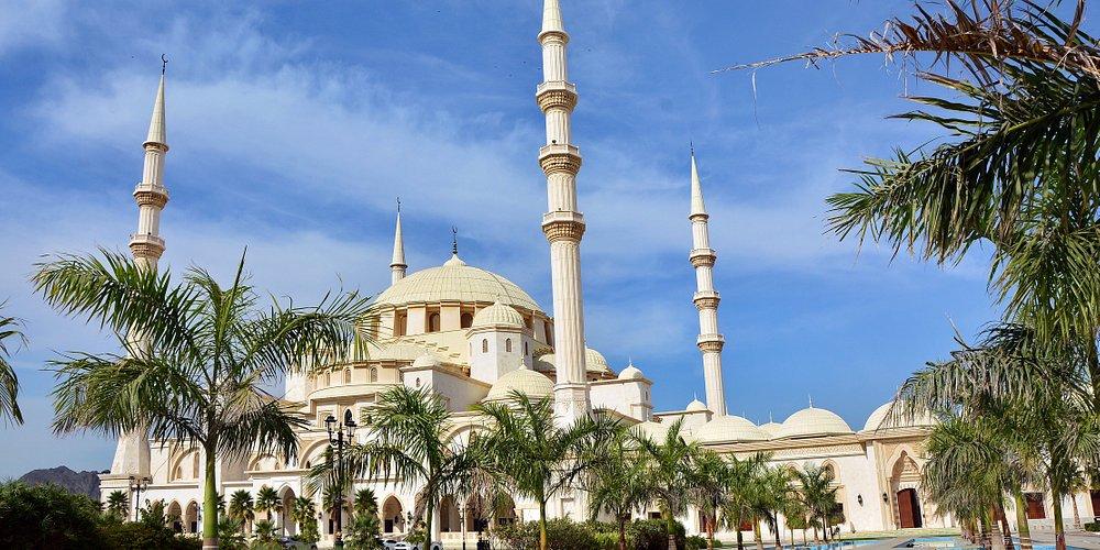 Фуджейра. Большая мечеть