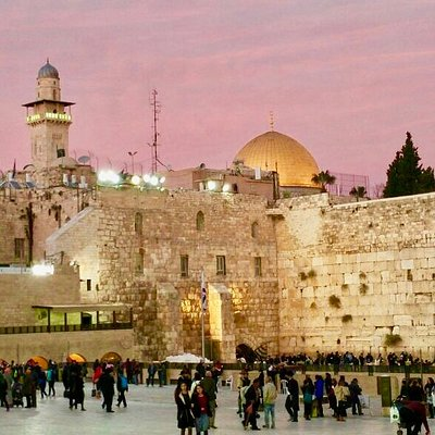 A beautiful evening at the Western Wall in Jerusalem
