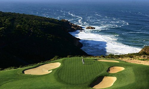 Play Golf at Oubaai Golf Course