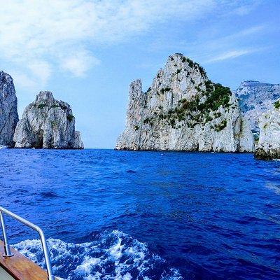 Capri e i Faraglioni / Capri Island and the Faraglioni