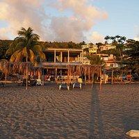 Karib Bay Beach Bar
