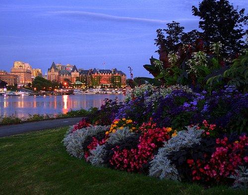 An enchanting evening food tour of Victoria, BC.