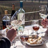 Provas de Vinho harmonizadas com queijos locais Wine& Cheese experience