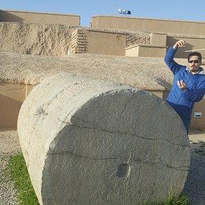 Aydın, Persepolis'te bize sütunların mühendisliği hakkında bilgi veriyor..