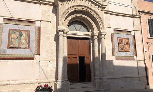 entrance to Chiesa di San Gaetano in Portopalo di CP.