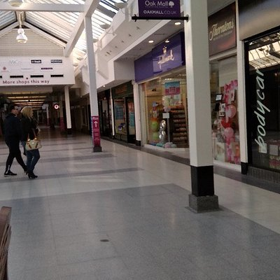 Oak Mall Shopping Centre