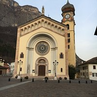 Panoramica della chiesa.