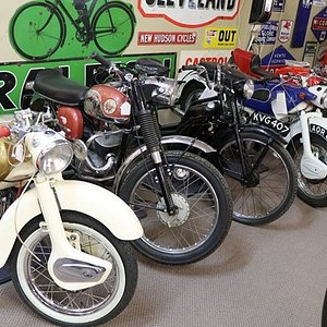 We now have six show rooms, as well as outside display areas, packed full of items such as: porcelain, Victorian glass,silver,Art Deco, antique furniture,Automobilia garage,enamel signs,petrol bowsers / pumps, oil bottles, oil tins and much much more.