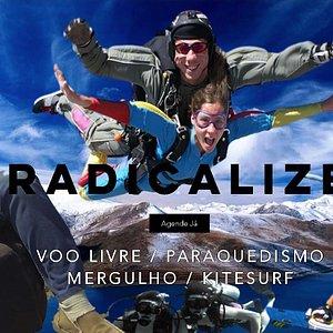 Aventure-se nos esportes radicais. Estando em Búzios (Região dos Lagos / RJ) experimente parapente, mergulho, kite, paraquedismo, nas modalidades duplo ou solo