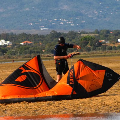 Become an Independent kite boarder with us!