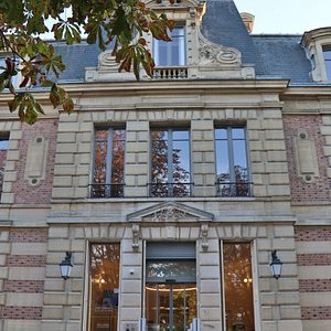 Office de Tourisme, Club Louis XIV et Café des Arts, Villa Désoyer, Jardin des Arts, 78100 Saint-Germain-en-Laye