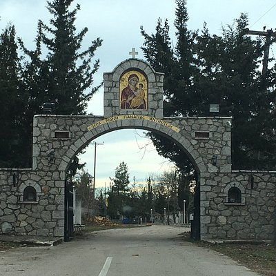 A beautiful peaceful location between Lamia and Karditsa. The spring next to the monastery was teaming with good drinking water. The chapel was charming and the young priest was delighted to show me around. The icon in the drapes dates back to the 12C. A true gem in the mountains and fantastic scenery