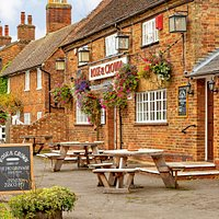 A traditional, British pub set in the heart of rural Bedfordshire. You're sure of a warm welcome whether you are a local or visiting the area. We look forward to seeing you at the Rose and Crown