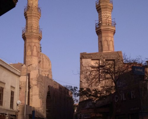 The minaret of the mosque / madrasa (on the left side) and of the khanqah (on the right one)