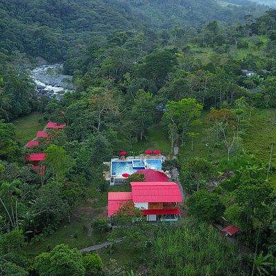 Disfruta de un hermoso lugar ubicado entre montañas, ríos, quebradas y la biodiversidad del piedemonte amazónico colombiano,  la demostración de la tradición productiva de los campesinos, entre caminos ancestrales y rutas de interés paisajístico; un lugar que también te ofrezca el descanso y el bienestar para renovar tu espíritu. Éste lugar es SAMAWÉ ubicado en el municipio de Mocoa del departamento del Putumayo. Reservas: (+57) 3152651952