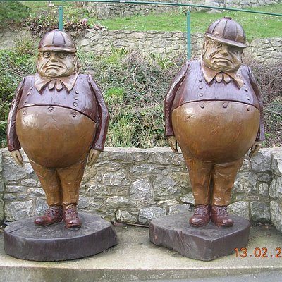 The Tweedle Twins (Llandudno)